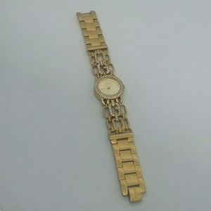 GUESS Women's U0576L2 Gold-Tone Watch